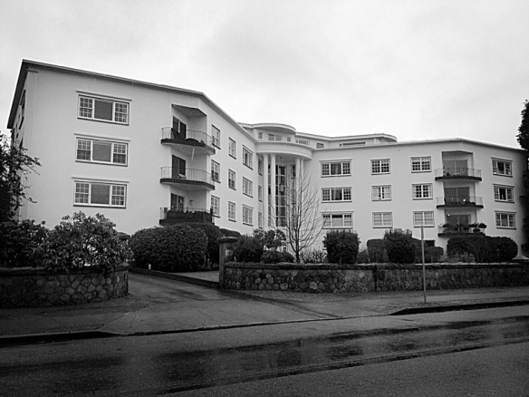 """Killarney Manor (built in 1956) beside Tatlow Park was the location for Sandy Dennis' apartment in the film """"That Cold Day in the Park"""". Photo: C. Hagemoen"""