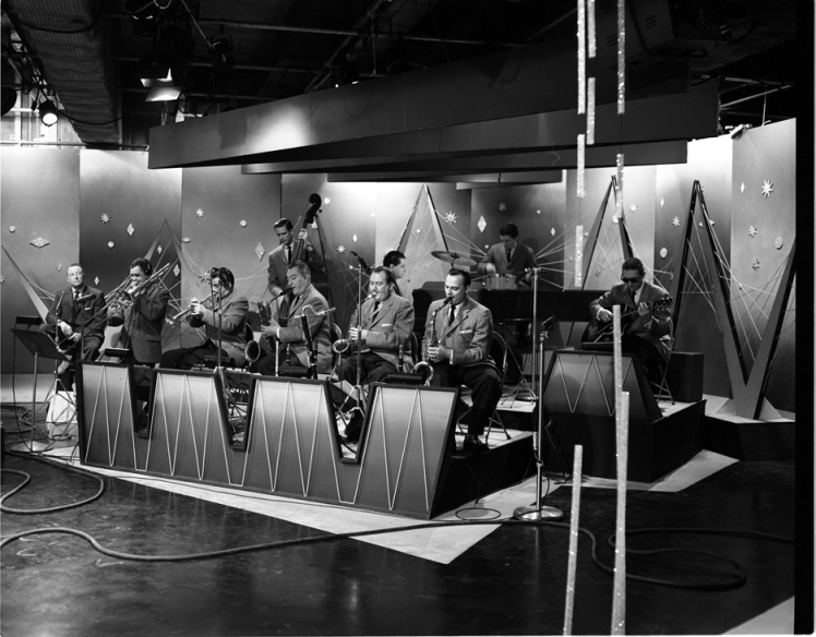 May 10, 1957. Cool Pepper set with the Dave Pepper orchestra. Photo: Alvin Armstrong, CBC Vancouver Still Photo Collection.