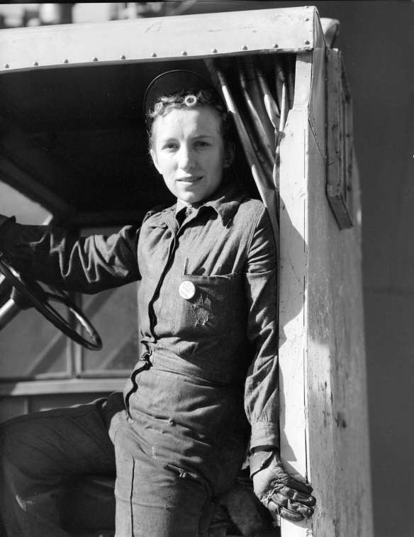 Burrard Dry Dock - Miss Heddy Brunkel, Jitney Driver, 1943. Photo: CVA 586-1152, Don Coltman, CoV Archives