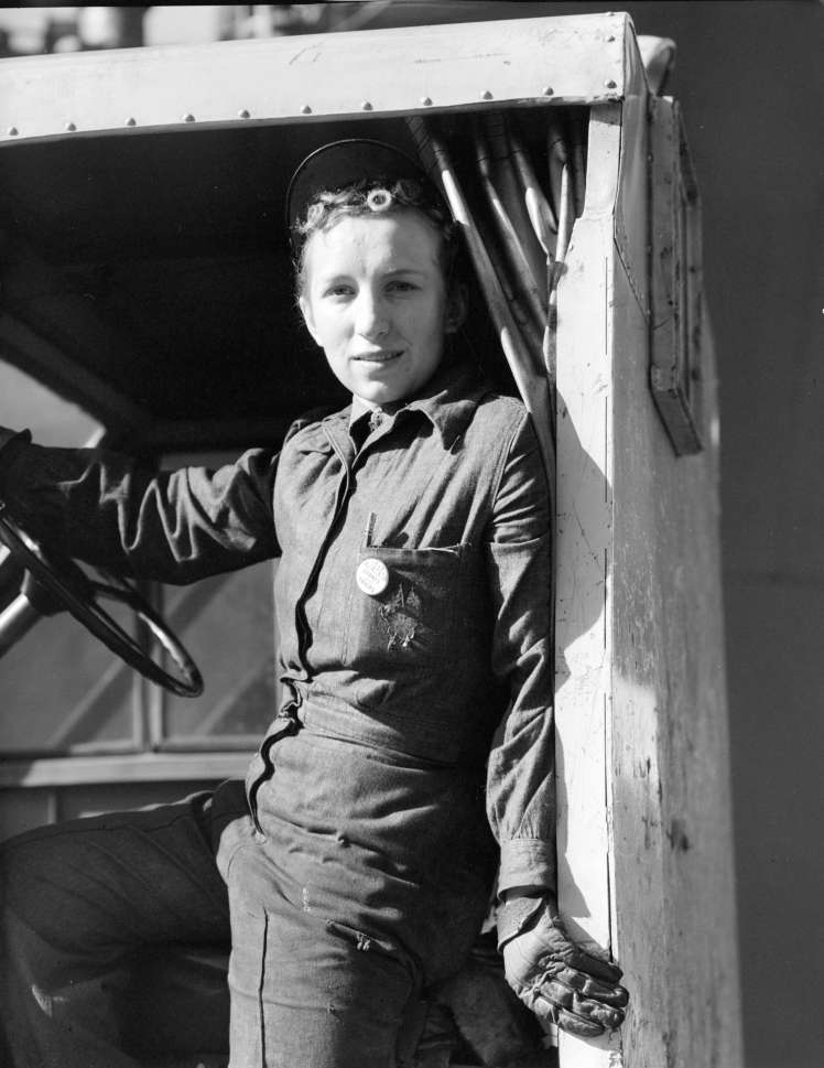Burrard Dry Dock - Miss Heddy Brunkel, Jitney Driver, 1943. Photo: CVA 586-1152, Don Coltman, CoV Archives
