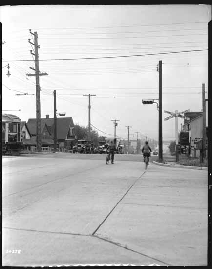 Cedar (Burrard) and 6th Avenue railroad crossing, July 1934. Photo: Dominion Photo Co., VPL Special Collections, 23563.